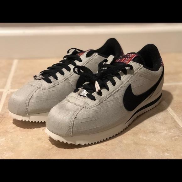 size 40 71160 0a322 Nike Cortez Basic SE Grey White Black Running Shoe NWT